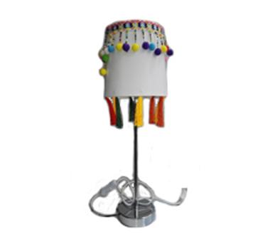 Lámpara de mesa pompones blanca