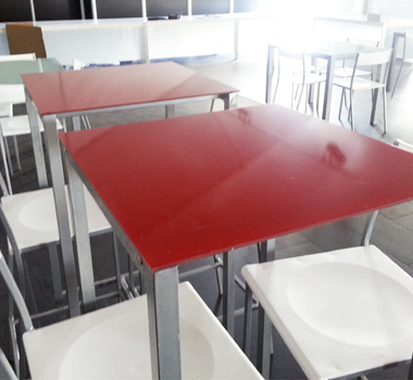 Mesa alta cuadrada color