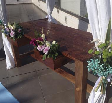 Mesa de ceremonia nogal