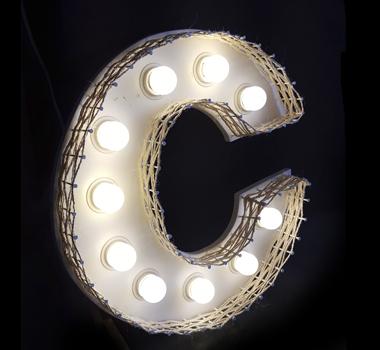 Letras y números luminosos